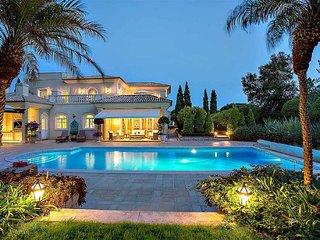 Villa Bruno, 10 sleeps, 5 berrooms