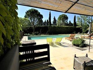 Cote Provence . Gite de charme 4 **** proche l'Isle sur la Sorgue . Le Ventoux