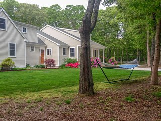 #431: Gorgeous home, spacious, minutes from Cooks Brook Beach, sleeps 10!