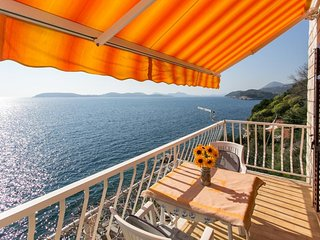 Apartments Neve - Two-Bedroom Apartment with Balcony and Sea View