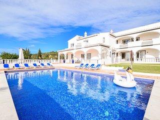Vila Vale Mouro luxuosa moradia com sala de jogos,