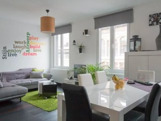 Big 1 Bedroom Apartment in Hip Marnix Place in Trendy Antwerp-Zuid