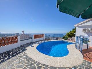 Villa con impresionantes vistas panoramicas al mar y las montanas