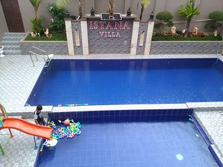 Villa Dengan Kolam Renang Pribadi Di Batu Malang | ISTANA Villa Batu