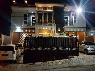 Villa Fasilitas Kolam Renang Di Batu Malang | ISTANA Villa Batu
