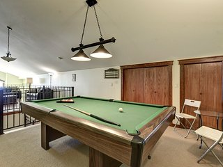 Amazing View - 3 Bedroom Plus Giant Loft/Games Room and Pool Table