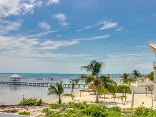 Oceanfront villa w/ shared pool, beach access, great views!