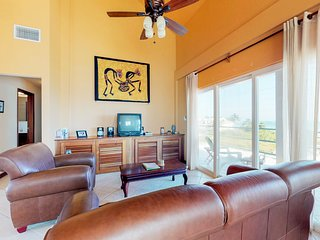 Oceanfront condo w/ shared pool, ocean view, central AC & WiFi - near the beach!