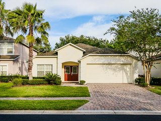 Gated home w/ private pool, furnished patio, close to Disney - snowbirds welcome