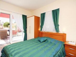 Barbat Apartment Sleeps 2 with Pool and Air Con - 5463663