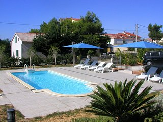 Barbat Apartment Sleeps 2 with Pool Air Con and WiFi - 5463660