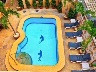 VIP Condo 100m from Beach (Free pool/sauna/restaurant)