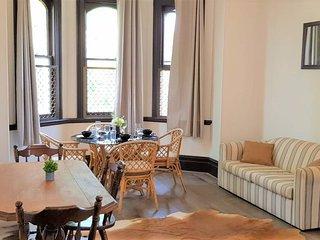 Stunning Leafy Apartment 15min Qudos Bank Arena