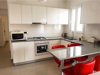 Caesar Resort apartment for rent Tiberius 10, holiday rental in Trikomo