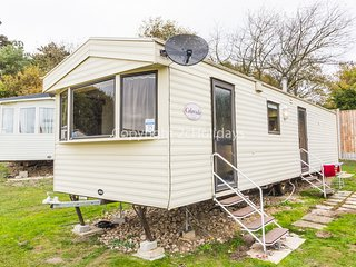 8 berth caravan, close to beach access. At Kessingland Holiday Park. REF 90015BC