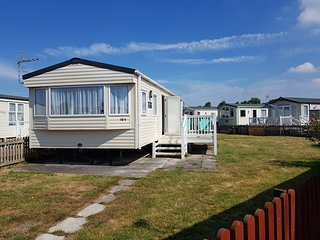 184 Unity - 8 Berth Caravan to Rent - Award Winning Resort