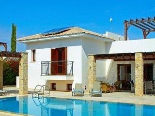 Aphrodite Hills 4 Bedroom Villa - Dorcia