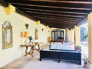 Villa d'epoca con giardino tra Ionio e Adriatico