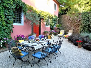 Charming converted olive mill with pool near Lucca