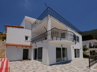 Kalkan, 3- Store Villa  for Families or Groups with wunderfull Panoramview
