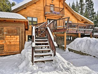 2BR +Loft Breckenridge Cabin w/Mtn Views & Hot Tub!