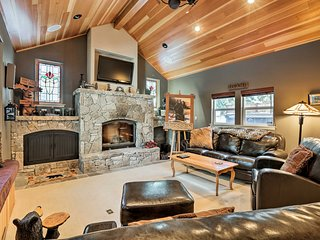 NEW! Truckee Home w/ Hot Tub - 8 Mi to Northstar!