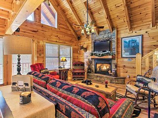 Smoky Mtn Cabin - Mins to Pigeon Forge & Dollywood