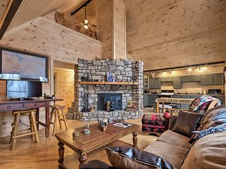Beech Mtn Home -Fireplace, Deck, Trail Access