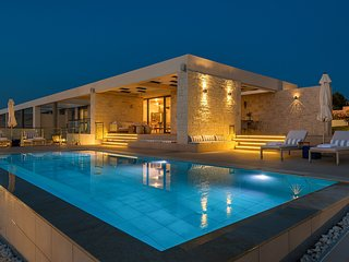 Elias Luxury Villa