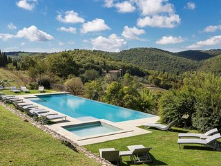 Tuscany 1 bedroom apartment with communal pool