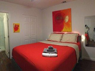 Modern, Clean, Cozy (Suite 'Oahu') (R1) (Los Angeles)