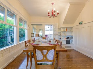 Queen Anne Beauty ★ Seattle 3 Bd ★ Sleeps 6!