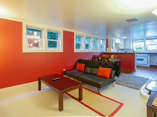 Seattle Bliss ★ Great Location ★ Sleeps 5!