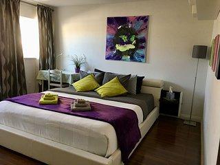 Modern, Spacious, Clean (Big Suite 'Hawaii') (R3)