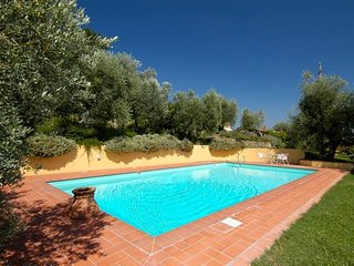 5 bedroom villa with pool, Tuscany