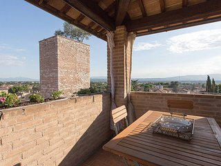 2 bedroom historic apartment Spello