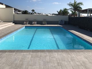 Immaculate 2 Bed Villa Stunning New 12x6m Heated Pool