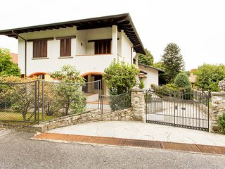 5 bedroom villa by Lake Maggiore