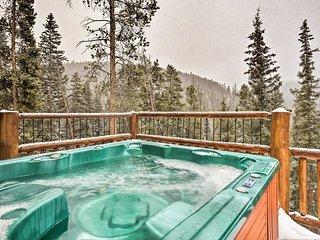 Luxury Breckenridge Cabin - Walk to Ski Shuttle!