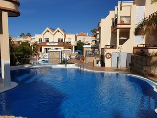 Casa Yucca with heated pool,only 150 meters to the beach, terrace, Wifi, seaview
