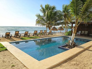 NIKTE-HA 1A  NEW! LUXURY STUDIO ON BEACH WITH POOL!