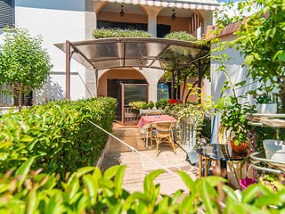 Cozy apartment in the center of Funtana with Parking, Internet, Air conditioning