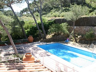 Cozy house in the center of D'Aiguafreda with Parking, Washing machine, Pool, Ga