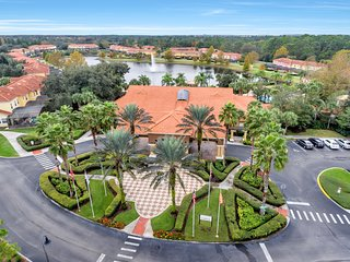 Luxury Town-House in Encantada Resort minutes to Disney