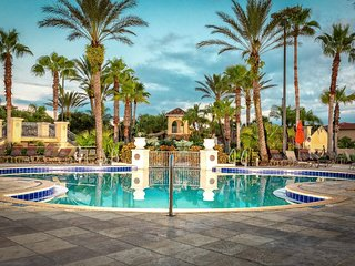 Tropical Water Park, Spa & Golf Resort, Minutes to Disney & Margaritaville