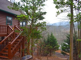 DEER HAVEN - 3BR/1BA, Upper Porch and Lower Party Deck, WiFi, Outdoor Fire-pit