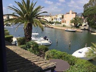 Villa Loumae, vacances avec vue sur Port Grimaud, a deux pas de Saint-Tropez