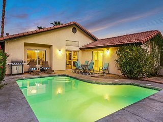 Casa Carranza is a pet friendly, 3BR, 2BA breath of fresh air in La Quinta.