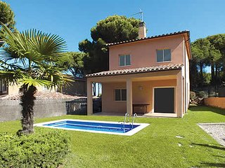 3 bedroom Villa in Mas Pinell, Catalonia, Spain : ref 5741314