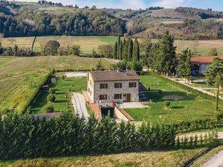 5 bedroom Villa in Montaperti, Tuscany, Italy - 5741239
